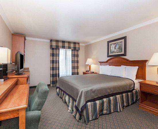 Travelodge By Wyndham Sylmar Hotel California Lowest